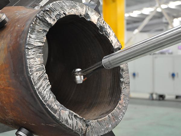 30°弯管内壁堆焊机