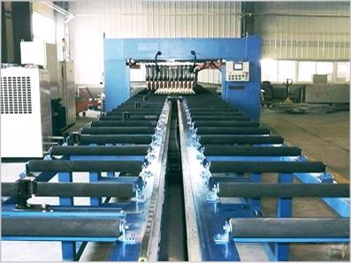板式换热器多点焊接设备
