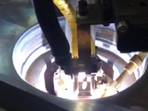 便携式螺栓内孔堆焊机
