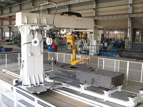 汽车起重机-车架座圈人机器人焊接系统