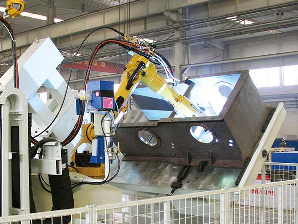 汽车起重机-卷扬箱机器人焊接系统