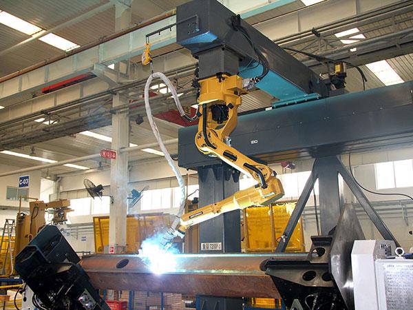 前、后悬架机器人焊接系统