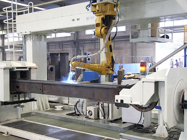 支撑梁机器人焊接系统图片