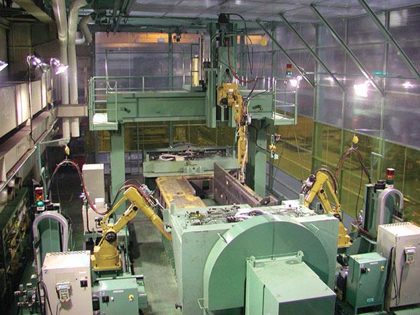 床身机器人焊接系统(三机器人)