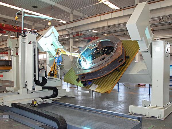 大型回转支架机器人焊接系统