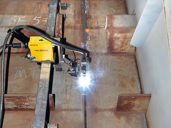 钢箱梁现场拼接-爬坡焊