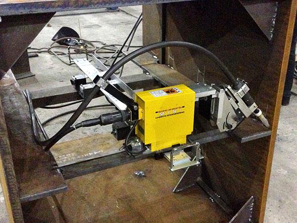 MICROBO-箱型柱内隔板焊接