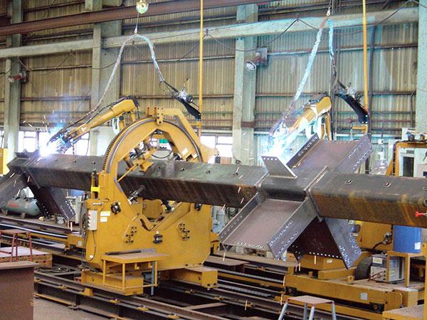 方管柱机器人焊接系统