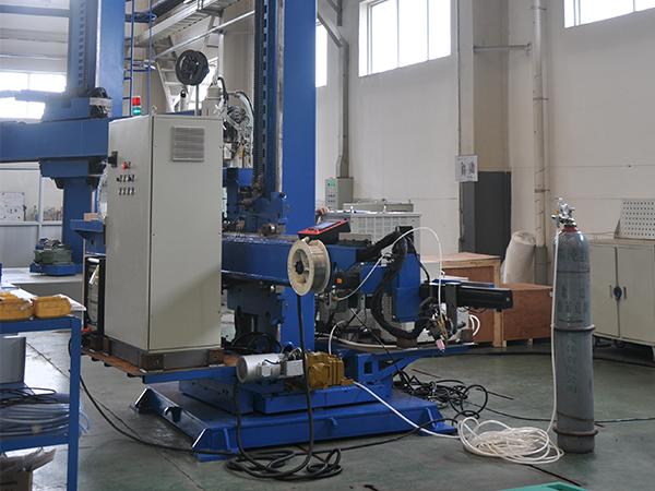 加氢凸台自动堆焊机